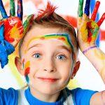 モンテッソーリ:子供が手を使う重要性と日常の実践